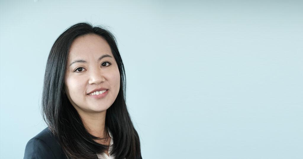Huanhuan Zhang, Financial controller